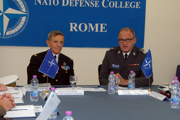 NDC Commandant Major General BOJARSKI (right) briefing SACT General PALOMÉROS
