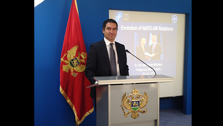 Dr Smith-Windsor addresses the Montenegrin MoD on