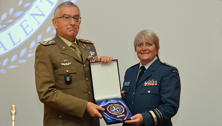 The Italian Chief of Defence General Claudio Graziano with NDC Commandant Lieutenant General Chris Whitecross